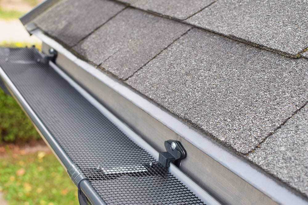 Close-Up-of-Screen-Gutter-Guard