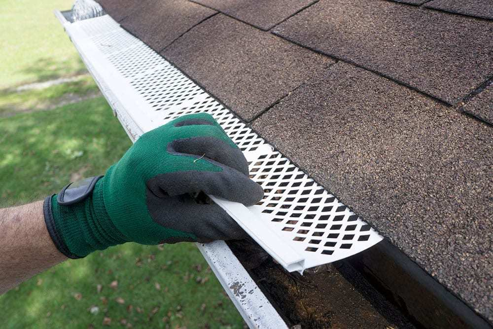 Installation-of-Plastic-Screen-Gutter-Guards